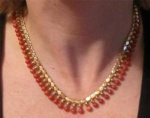 Superb 1940's 50's 18ct gold coral fringed collar necklace